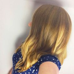 Slightly arty shot of the side of my ombré hair!