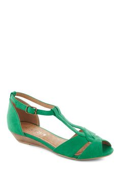 Modcloth. Stylish Sidekick Wedge in Emerald by Chelsea Crew - Low, Faux Leather, Green, Daytime Party, Wedge, Peep Toe, Variation, Summer