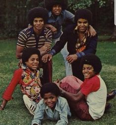 Michael Jackson and brothers The Jackson Five, Jackson Family, You Are The Sun, You Are My Life, Black History Month Quotes, The Jacksons, The Brethren, Music Icon, Motown