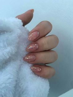 Short almond nails: 50 chic manicure ideas - in # short manicure ., Short almond nails: 50 chic manicure ideas - in manicure varnish -. Cute Acrylic Nails, Acrylic Nail Designs, Matte Nails, Nude Nails, Gradient Nails, Holographic Nails, Lilac Nails, Almomd Nails, Pink Nail