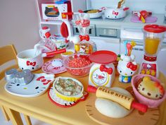 Anyone got a hello kitty mad little one:kids cooking party idea!