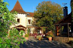 De Sfeer van Roffy | Camping Sarlat - Les Grottes de Roffy Aquitaine, Camping Sarlat, Dordogne, Glamping, Vans, Cabin, Mansions, House Styles, Places