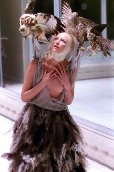 Alexander McQueen SS2001 - Voss ALEXANDER=DRAMA=LOVE. There has to be some style…
