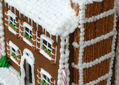 100 Best Gingerbread House Ideas Gingerbread House Pictures, Gingerbread House Designs, Gingerbread House Parties, Gingerbread Decorations, Christmas Gingerbread House, Christmas Projects, Holiday Crafts, Holiday Fun, Christmas Ideas