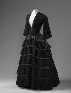 Dress, 1850-55. Amsterdam Museum.