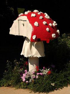 mushroom mailbox with stem ring - photo by zen Sutherland
