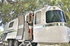 Drivin' & Vibin' renovates Airstream Argosy into a fully-livable off-grid trailer home. This tiny house on wheels is completely sustainable. Airstream Bambi, Airstream Caravans, Airstream Living, Airstream Remodel, Airstream Renovation, Airstream Interior, Vintage Airstream, Vintage Caravans, Vintage Travel Trailers
