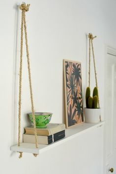 DIY Hacks for Renters - DIY Easy Rope Shelf - Easy Ways to Decorate and Fix Thin. DIY Hacks for Renters - DIY Easy Rope Shelf - Easy Ways to Decorate and Fix Things on Rental Property - Decorate Walls, Cheap Ideas for Maki. Easy Home Decor, Cheap Home Decor, Cheap Bedroom Ideas, Diy Decorations For Home, Diy House Decor, Hanging Decorations, Easy Diy Room Decor, Dyi Wall Decor, Home Craft Ideas