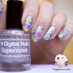Cracked glitter nail art #nailart - bellashoot.com, bellashoot iPhone & iPad app