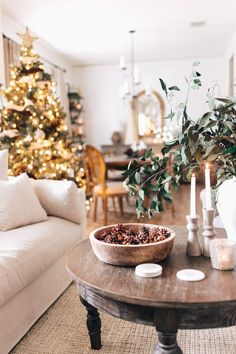It's that time of year again! Time for Destiny's annual Holiday Housewalk, where she takes us on a tour of her home that is decorated to perfections with… Christmas Tree Cutting, Christmas Tree Star, Christmas Coffee, White Christmas, Christmas Time, Christmas Ideas, Painted Coffee Tables, Rustic Coffee Tables, Decorating Coffee Tables