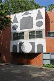 Robert Venturi: Gordon Wu Hall, Princeton University 1983
