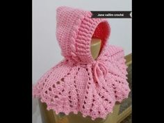 Exceptional Stitches Make a Crochet Hat Ideas. Extraordinary Stitches Make a Crochet Hat Ideas. Crochet Baby Bonnet, Crochet Cap, Crochet Girls, Crochet Baby Clothes, Crochet Hooded Scarf, Crochet Beanie Hat, Hooded Cowl, Cardigan Bebe, Knitting Patterns