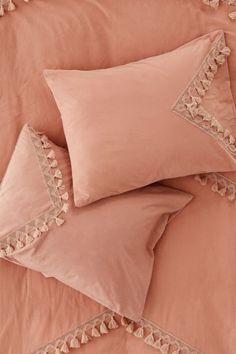 Dorm Pillows, Blue Pillows, Draps Design, West Elm Bedding, Bedding Sets, Bed Cover Design, Bathroom Towel Decor, Grey Headboard, College Room Decor