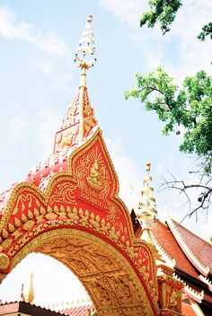 Buddhist Temple in Vientiane Laos | photography by http://ashleykelemen.com/