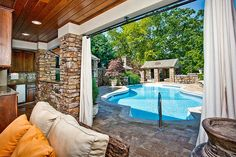 I love this livingroom/pool!