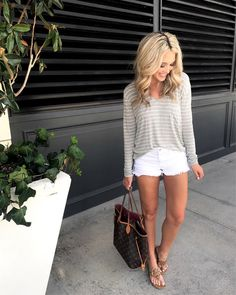 Casual Spring Weekend Outfit Ideas 89 50 Stylish and Casual Weekend Outfits Summer Ideas Aksahin Jewelry 5 Summer Weekend Outfit, Weekend Style, Weekend Fashion, Summer Mom Outfits, Spring Outfits Women Over 30, Summer Shorts, Summer Fashion Trends, Spring Summer Fashion, Summer Chic