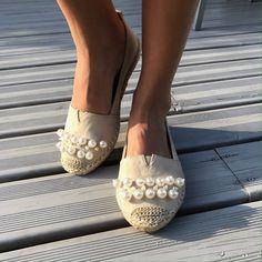 Espadrilles perlés Baskets, Espadrilles, Shoes, Fashion, Knee High Boots, Ankle Boots, Sandals, Slipper Socks, Pumps