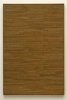 R 70-83 Jan Schoonhoven, 1970. golfkarton, papier op spaanplaat 121,5 x 81,5 cm (incl. lijst)