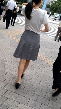 Sexy Skirt, Dress Skirt, Sexy Hips, Cute Girl Photo, Tight Dresses, Skirt Outfits, Asian Woman, Beauty Women, Leather Skirt