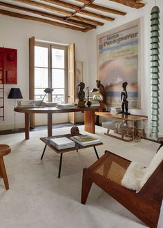 A Leading Design Dealer's Art-Filled Jewel Box in Paris – Office Room Plywood Furniture, 1950s Furniture, Architectural Digest, Home Interior, Interior And Exterior, Interior Design, Interior Modern, House Doctor, Minimalism Living