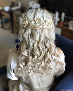 Beauty & The Beach Hair Inc. Best Wedding Beauty Services in Islamorada | Wedding Chicks Wedding Hairstyles For Long Hair, Wedding Hair And Makeup, Wedding Beauty, Hair Makeup, Hair And Makeup Artist, Hair Inc, Wedding Braids, The Wedding Singer, Wedding Music