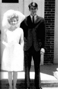 Dolly Parton married Carl Thomas Dean in Ringgold, Georgia on May 30, 1966.