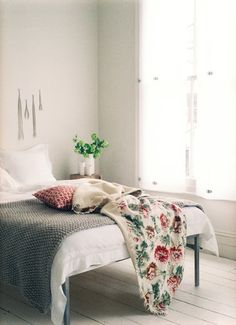 Little Lovables: Inspired Interiors: Subtle Florals and Natural Pink Undertones