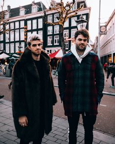 Chainsmokers in Amsterdam Andrew Taggart, The Ch, Chainsmokers, Edm, Music Artists, Boy Bands, Thriller, Repeat, Famous People