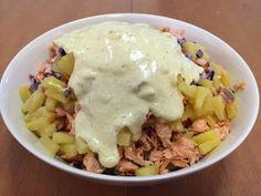 Liian hyvää: Pastasalaatti lämminsavulohesta Fusilli, Pasta Salad, Mashed Potatoes, Oatmeal, Salads, Rice, Breakfast, Ethnic Recipes, Food