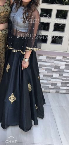 Cape top Indian Gowns, Indian Attire, Indian Wear, Indian Outfits, Dress Outfits, Fashion Dresses, Look Short, Lehenga Designs, Desi Clothes