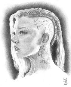 http://panempropaganda.tumblr.com/post/103491717219/i-tried-to-draw-cressida Cressida fan art The Hunger Games: Mockingjay