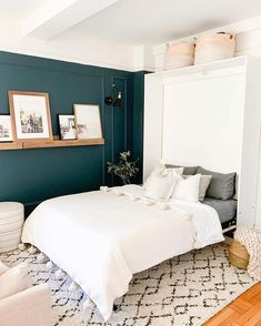 33 Outrageous Teal Bedroom with Glamorous White Pendant Accent Tips - casitaandmanor Accent Wall Bedroom, White Bedroom, Teal Master Bedroom, Teal Bedroom Decor, King Bedroom, Bedroom Ideas, Trendy Bedroom, Modern Bedroom, Teal Bedrooms