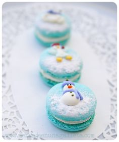 30 Ideas for Winter Wedding Favors Quilting Tips, Macaroons, Snowman, Christmas Goodies, Christmas Treats, Cupcakes, Sweet, Food And Drink, Desserts