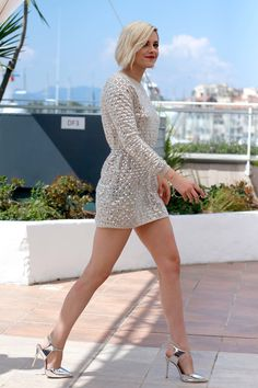 """Kristen Stewart in Chanel and Giuseppe Zanotti shoes CANNES, FRANCE - MAY 17: Kristen Stewart attends the """"Personal Shopper"""" - Photocall at the annual 69th Cannes Film Festival at Palais des Festivals on May 17, 2016 in Cannes, France. (Photo by Luca Teuchmann/WireImage) Photo: Getty Images"""
