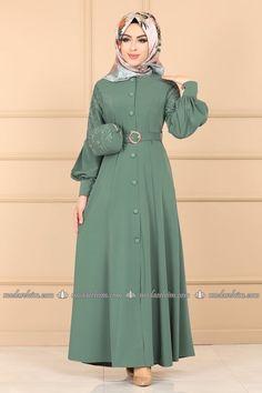 Hijab Style Dress, Modest Fashion Hijab, Abaya Fashion, Muslim Fashion, Fashion Dresses, Stylish Dresses, Nice Dresses, Simple Abaya Designs, Crochet Poncho With Sleeves