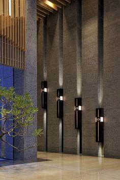 A Residential Pavilion & Landscape of Hai Hau-The Great / Arcadian Architecture+Design - Arquitectura - Foyer Design, Lobby Design, Entrance Design, Wall Design, House Design, Design Hotel, Lobby Interior, Interior Lighting, Architecture Design