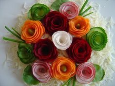 How to quickly make flowers from vegetables, decorating dishes. Amazing Food Decoration, Salad Decoration Ideas, Vegetable Decoration, Fruit Decorations, Easy Food Art, Food Art For Kids, Baby Shower Fruit, Fruit Creations, Edible Bouquets