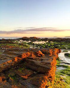 sunset at paradise  en la Playa Pragueira vía @a.alex86 #Galicia #Sanxenxo #RíasBaixas #SienteGalicia