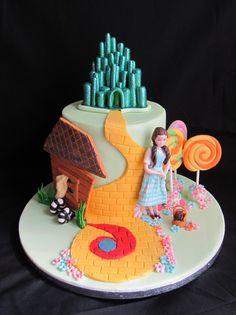 Wizard of Oz, Dorothy cake.