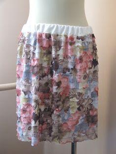 Varrókuckó: Fodros-bodros és virágos My Works, Skirts, Fashion, Moda, Fashion Styles, Skirt, Fashion Illustrations, Gowns