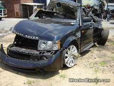Land Rover Range Rover crashed in Johannesburg, South Africa