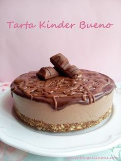 Cooking Recipes: Kinder Bueno cake no-bake Köstliche Desserts, Delicious Desserts, Yummy Food, Sweet Recipes, Cake Recipes, Dessert Recipes, Cake Cookies, Cupcake Cakes, Cakes And More