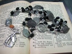 Stations of the cross rosary http://de.dawanda.com/product/44175346-Kreuzweg-Stationen-Rosenkranz