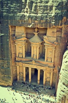 Top 9 Places to See Before You Die - Travel Bucket List Petra, Jordan - The tiny city carved into stone that my dad loved so much. I want to go there to walk the streets, visit the biblical sites, see his neighborhood where he grew up, the church his fam Places Around The World, Travel Around The World, Around The Worlds, Wonderful Places, Beautiful Places, Amazing Places, It's Wonderful, Places To Travel, Places To See
