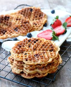 Waffle Recipes, Side Dishes, Sweets, Baking, Breakfast, Desserts, Food, Vegans, Morning Coffee