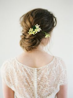Floral Romance and Blush Peonies for a Spring Wedding Wedding Hair Flowers, Wedding Hair And Makeup, Flowers In Hair, Hair Makeup, Wedding Headband, Bridal Beauty, Wedding Beauty, Bridal Chignon, Bridal Hairstyle