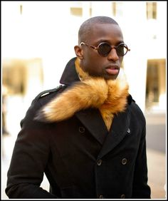 I know I'm just warranting a whole mess of trouble by even opening the fur in fashion debate and it's ethics- but when the weather turns c. Fur Fashion, Mens Fashion, Fox Fabric, Fur Stole, 2015 Trends, Black Men, Fur Coat, Hipster, How To Wear