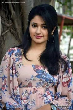 Poonam Bajwa Actress Photos Stills Gallery Beautiful Girl Indian, Beautiful Girl Image, Most Beautiful Indian Actress, Beautiful Saree, Beautiful Bollywood Actress, Beautiful Actresses, Beauty Full Girl, Beauty Women, Angels Beauty
