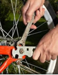 """""""DIYBikeRepair"""" is a complete collection of over 200 videos and diy manuals covering the repair and maintenance of bicycles.  It covers mountain bikes, road bikes and a section on racing bikes."""