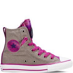 The Official Converse UK Online Store offers the complete Converse Sneaker and Clothing Collection. Shop All Star, Cons & Jack Purcell now. Converse Shoes High Top, Cool Converse, Outfits With Converse, Converse All Star, Converse Chuck Taylor, Cute Shoes, Me Too Shoes, Star Party, Kinds Of Shoes